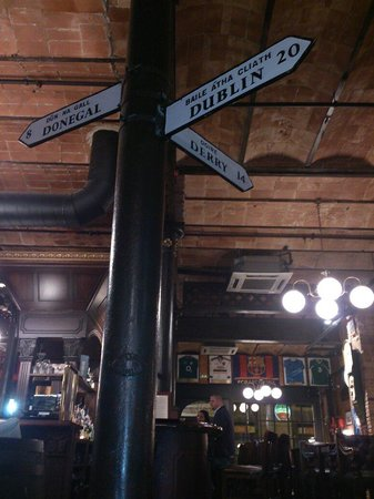Dunnes Irish Bar Barcelona: Dettaglio interno