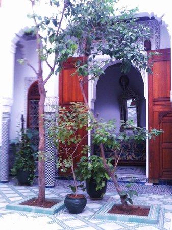 Dar Al Andalous : zona colazione/ soggiorno