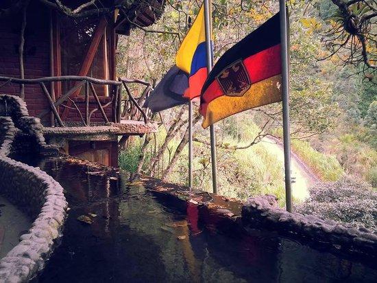 Hosteria Finca Chamanapamba : Ecuadorian and German Flags