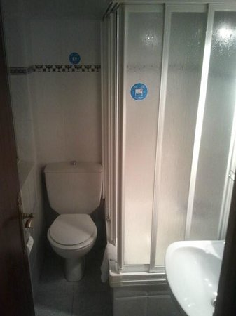 Hostal Zamoran: baño