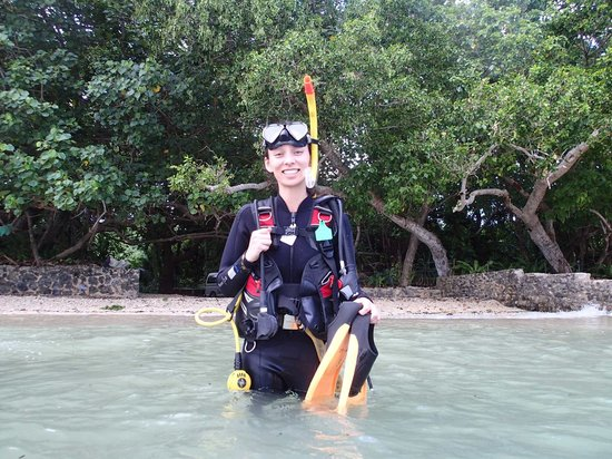Allan Power Dive Tours: My wife, the certified open water diver!