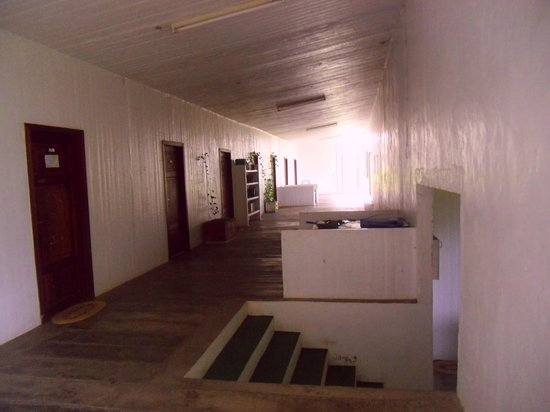 Richmond Vale Diving & Hiking Centre : Hallway for rooms