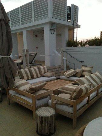 Sense Beach House: area piscina