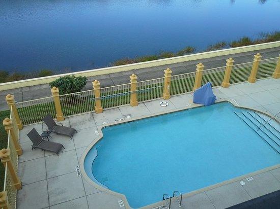 La Quinta Inn & Suites Bonita Springs Naples North: Pool area