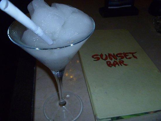 Sheraton Senggigi Beach Resort: Sunset Bar drink
