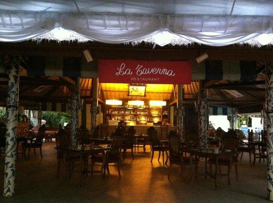 La Taverna Suites : Restaurant