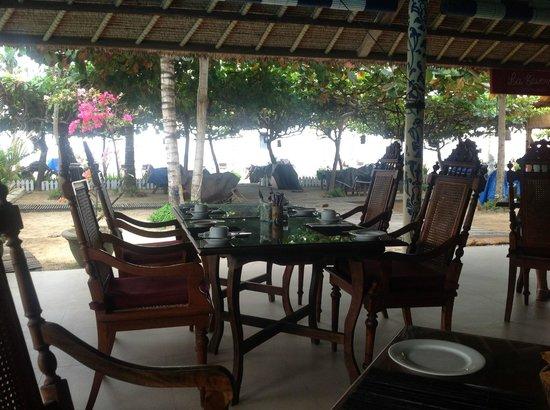 La Taverna Suites: Restaurant