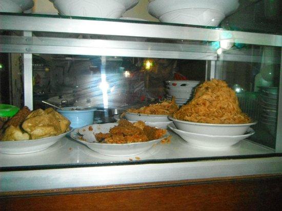 Warung Yogya : food