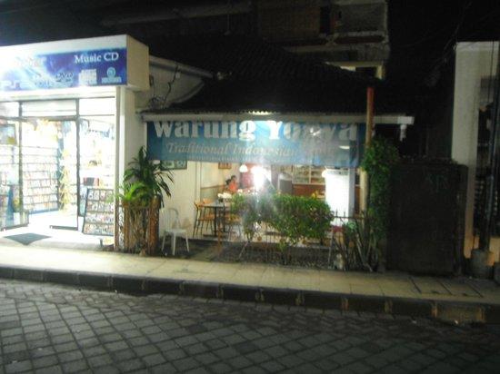 Warung Yogya : at night