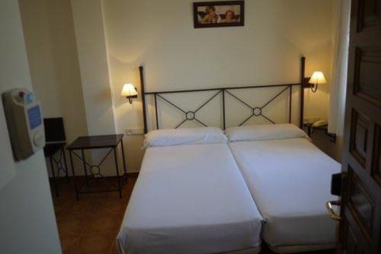 Imperial Hotel Toledo: 室内