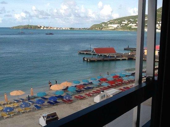Horizon View Beach Hotel : Water was beautiful- warm, clear, clean. Beaches had beautiful soft sand.