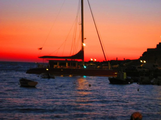 Sunset Ammoudi Taverna: Yes, Sunset Taverna!