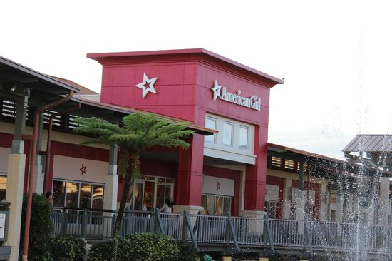 The Falls Shopping Center : american girl store