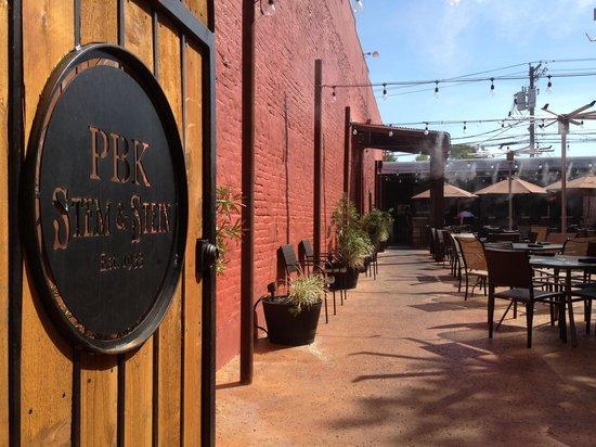 PBK Stem & Stein: Saturday afternoon hangout extraordinaire