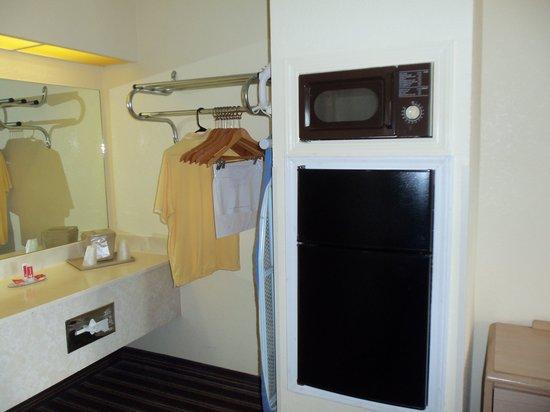 Econo Lodge : Mit Fridge und Mikrowelle,Fön,Kaffeemaschine
