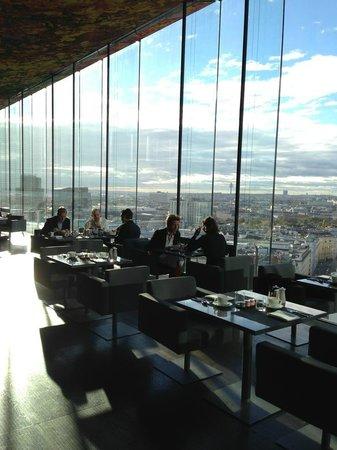 Sofitel Vienna Stephansdom: Le Loft at Breakfast