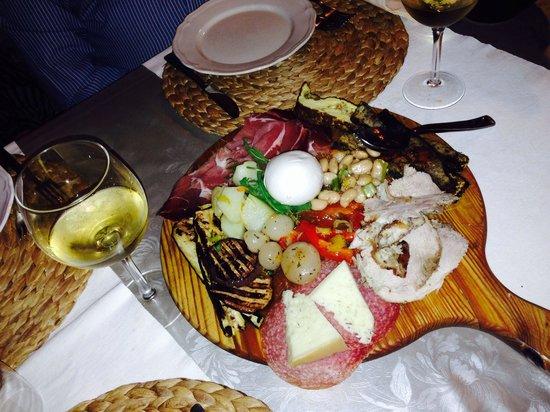 Il Grottino : Antepastos deliciosos !!!
