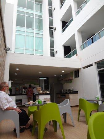 Hotel Genova Prado : FROM DE RESTAUTANT