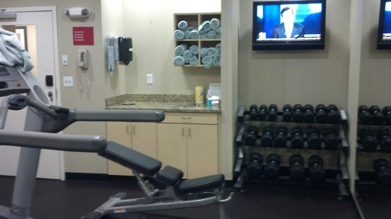 TownePlace Suites by Marriott Huntington: Nice fitness center