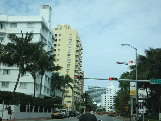 Art Deco Historic District: driving around