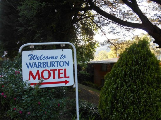 Entrance to Warburton Motel