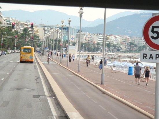 Novotel Antibes Sophia Antipolis : Avenida beira mar- Nice França