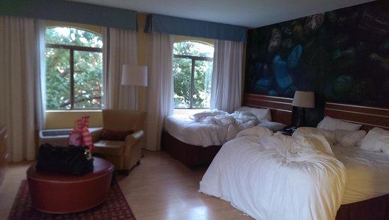 Hotel Indigo San Antonio Riverwalk: corner, balcony with riverwalk view