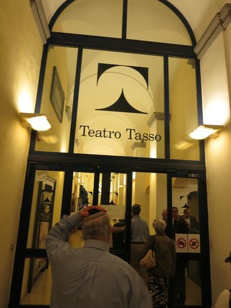 Teatro Tasso: entrance