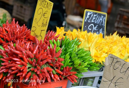 Rue Meynadier: Foreville market