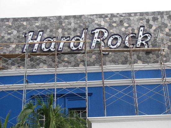 Heaven at the Hard Rock Hotel Riviera Maya: Scaffolding and construction