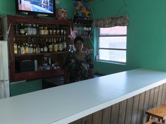 Lanny's Restaurant : Loretta at the bar