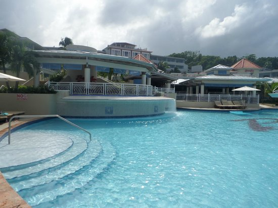 Beaches Ocho Rios Resort & Golf Club: Pool