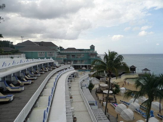 Beaches Ocho Rios Resort & Golf Club: Rooms facing the beach
