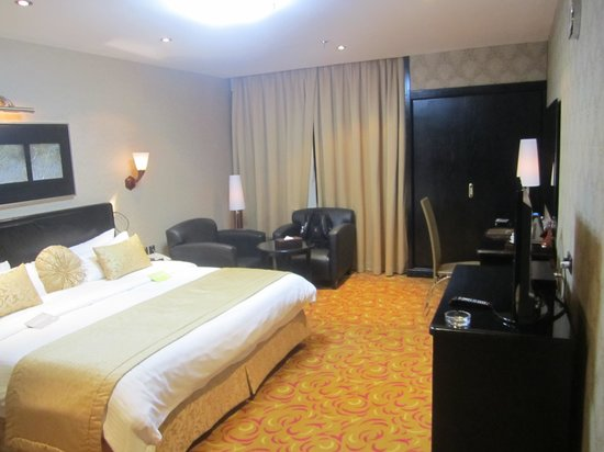Al Waha Palace Hotel: Nice spacious room