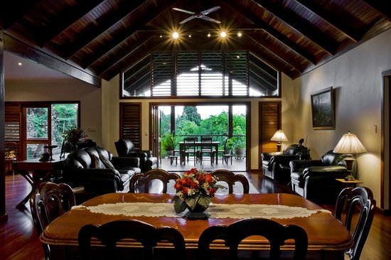 Sealords: Lounge area