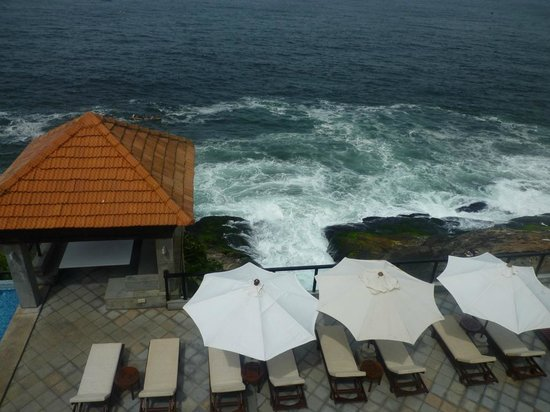 The Leela Kovalam Beach: Club Pool, view from Sky bar