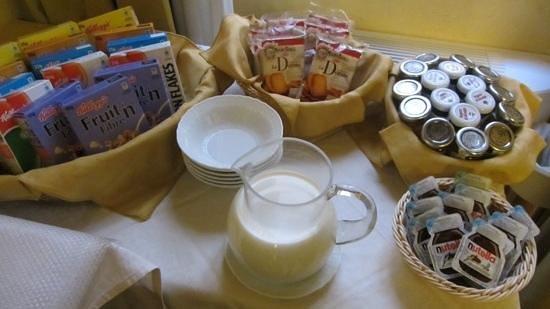 Residenza Canali ai Coronari: Breakfast