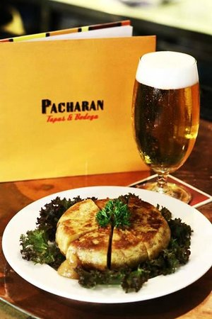 Pacharan : Tortilla Espanola and an ice cold San Miguel beer