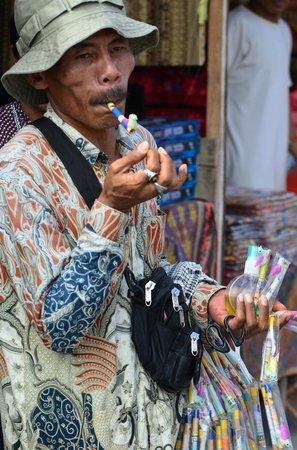 Pasar Serikin: a street seller