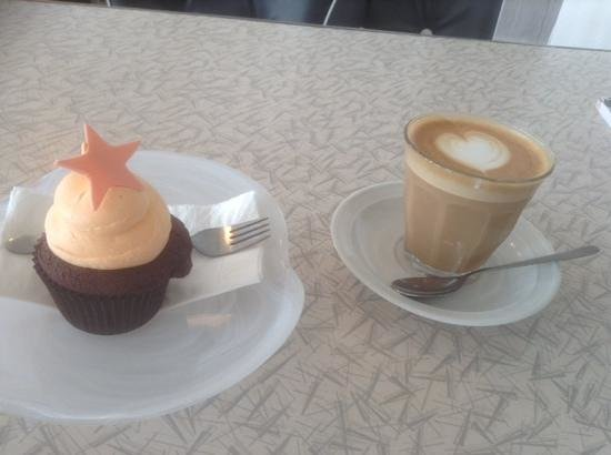 Sweet Envy: choc and orange cupcake with coffee