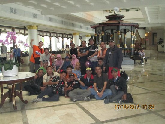 Hotel Santika Premiere Jogja: at the main lobby
