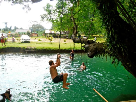 Tham Phu Kham Cave and Blue Lagoon: Rope Swing