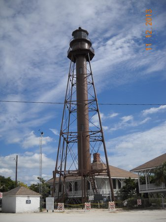 Seahorse Cottages: Sanibel Lighthouse