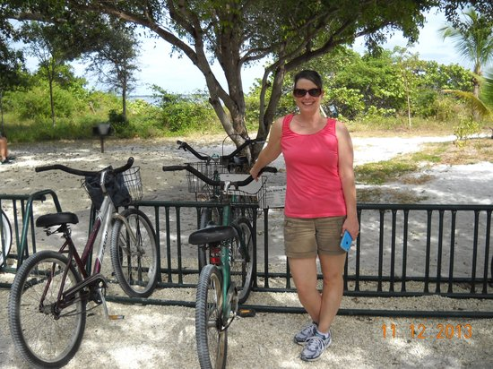 Seahorse Cottages: DGM and her bike
