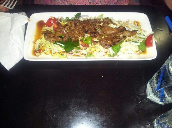 GBT - Golden Beach Tavern : Thai Beef salad,  yummy