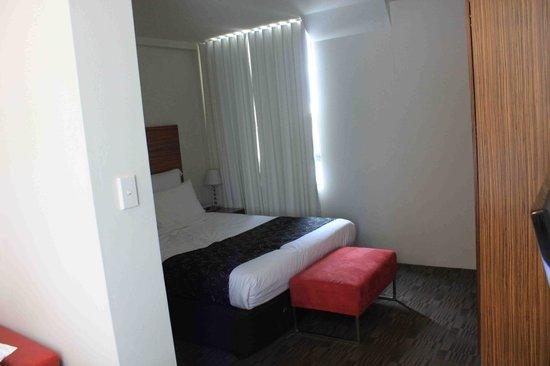 Cambridge Hotel Sydney : 호텔 침실