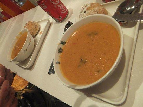 The Soup Spoon: Tasty Tomato & Basil Soup