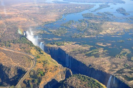 Shearwater Victoria Falls - Helicopter Flights: chutes victoria 2