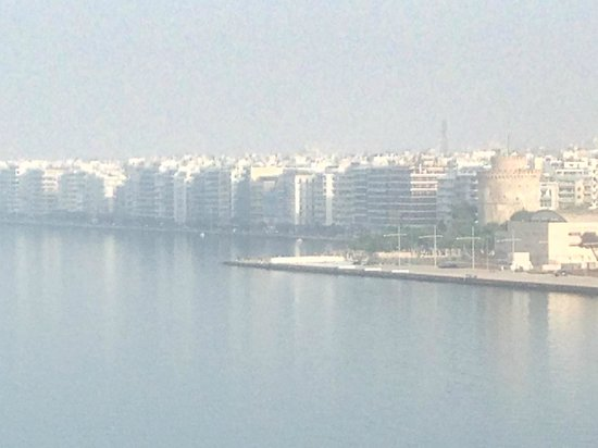 "Makedonia Palace: View of the city of Thessaloniki with the ""White Tower"""