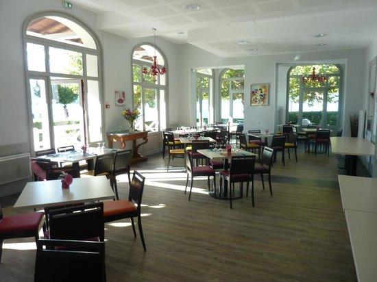 Le Pavillon des Fleurs: Restaurant